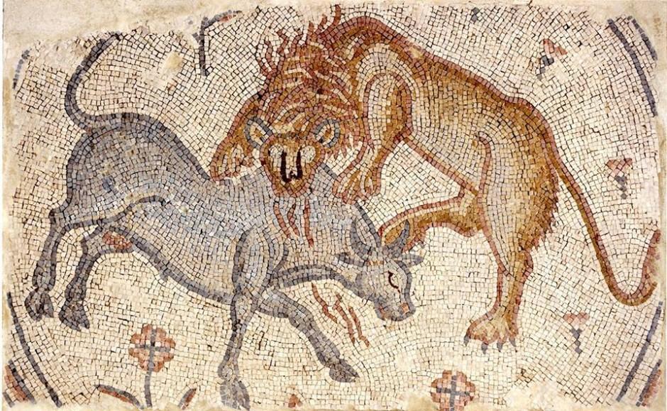 подни мозаик описује борбу између величанствених бића, лава и вола, трансјордан (регион), око 475-525. године